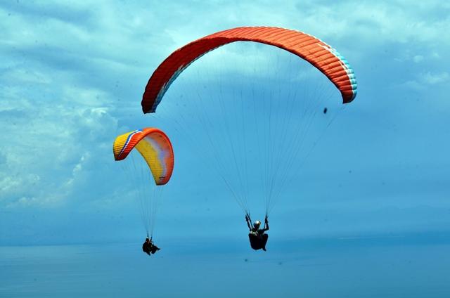 paragliding picture Bulatlat