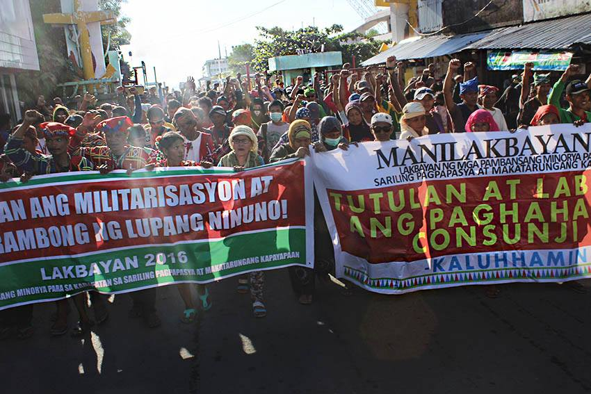 Salubungan of the Mindanao contingent with Bicolanos in Naga City, Camarines Sur on Oct 10 (Photo by Kilab Multimedia)