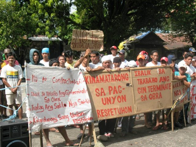 FASSEU picket in Negros in March 2013 (Photo grabbed from Justice for FASSEU Facebook page, accessed Nov 8, 2016)