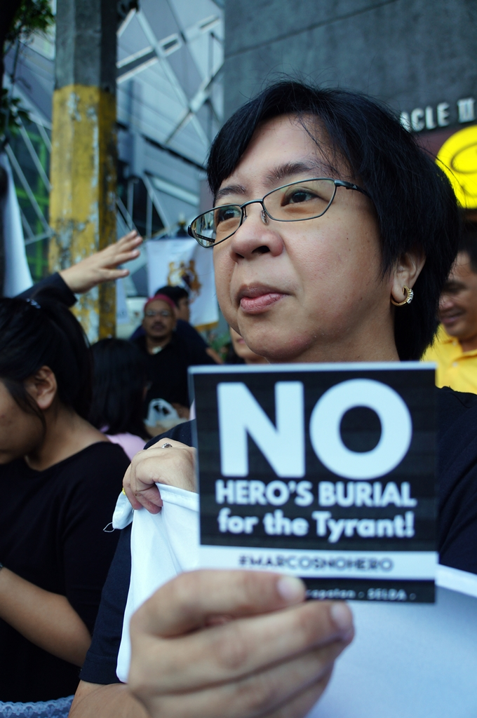 no-to-marcos-hero-burial-black-to-block-byjonasalpasan-1