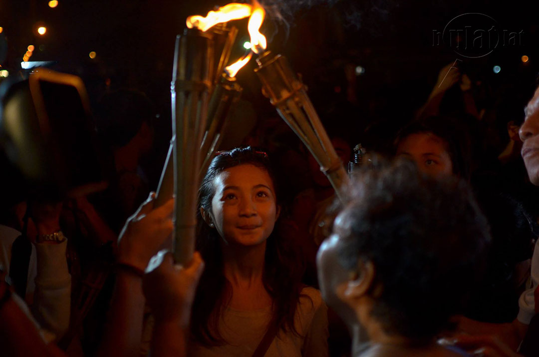 The young and the old light torches in this dark period of the nation's history. (Photo by Loi Manalansan / Bulatlat)