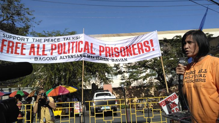 As peace talks resume, release of political prisoners sought