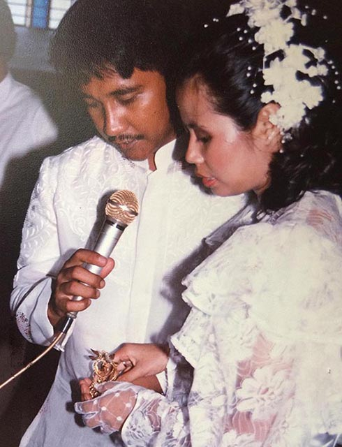 Ferdinand Castillo and Nona Andaya got married on May 2, 1987 in a Church in Meycauayan, Bulacan. (Photo courtesy of the Castillo family)