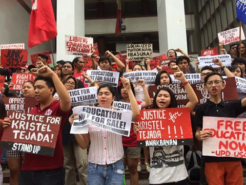 Protest at Palma Hall, UP Diliman. (Photo grabbed from Kasama sa UP Facebook page.)