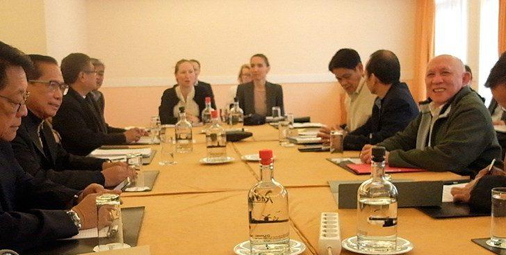 Panels begin formal ceasefire negotiations