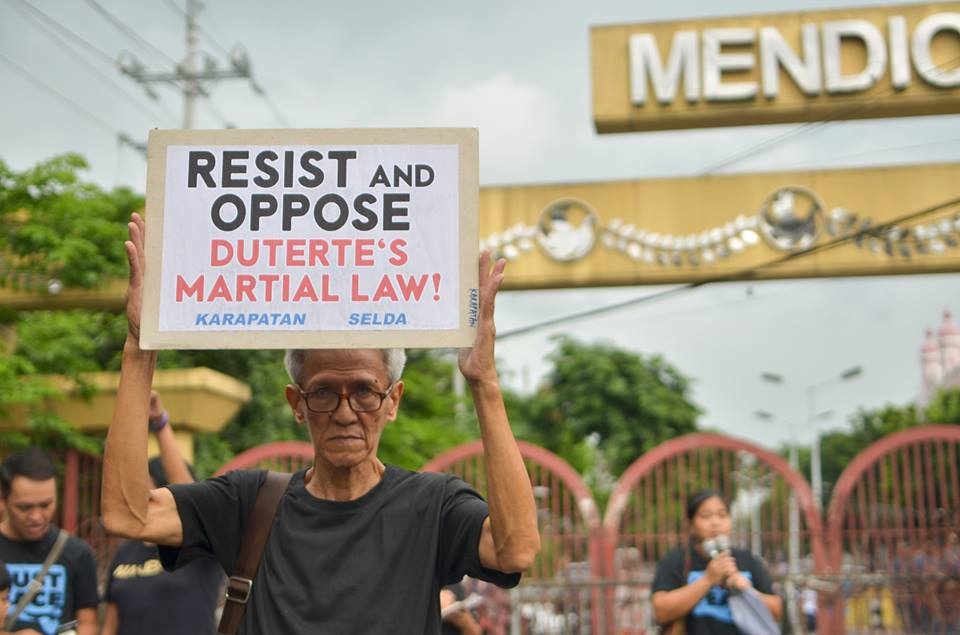 'BRING IT ON.' Martial law survivor and Selda spokesperson Danny dela Fuente said the progressive mass movement is ready to 'arouse, organize, mobilize' and fight Duterte's martial law, just as they did during that of Marcos. (Photo by Carlo Manalansan/Bulatlat)