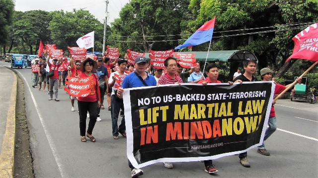 Workers oppose Martial law
