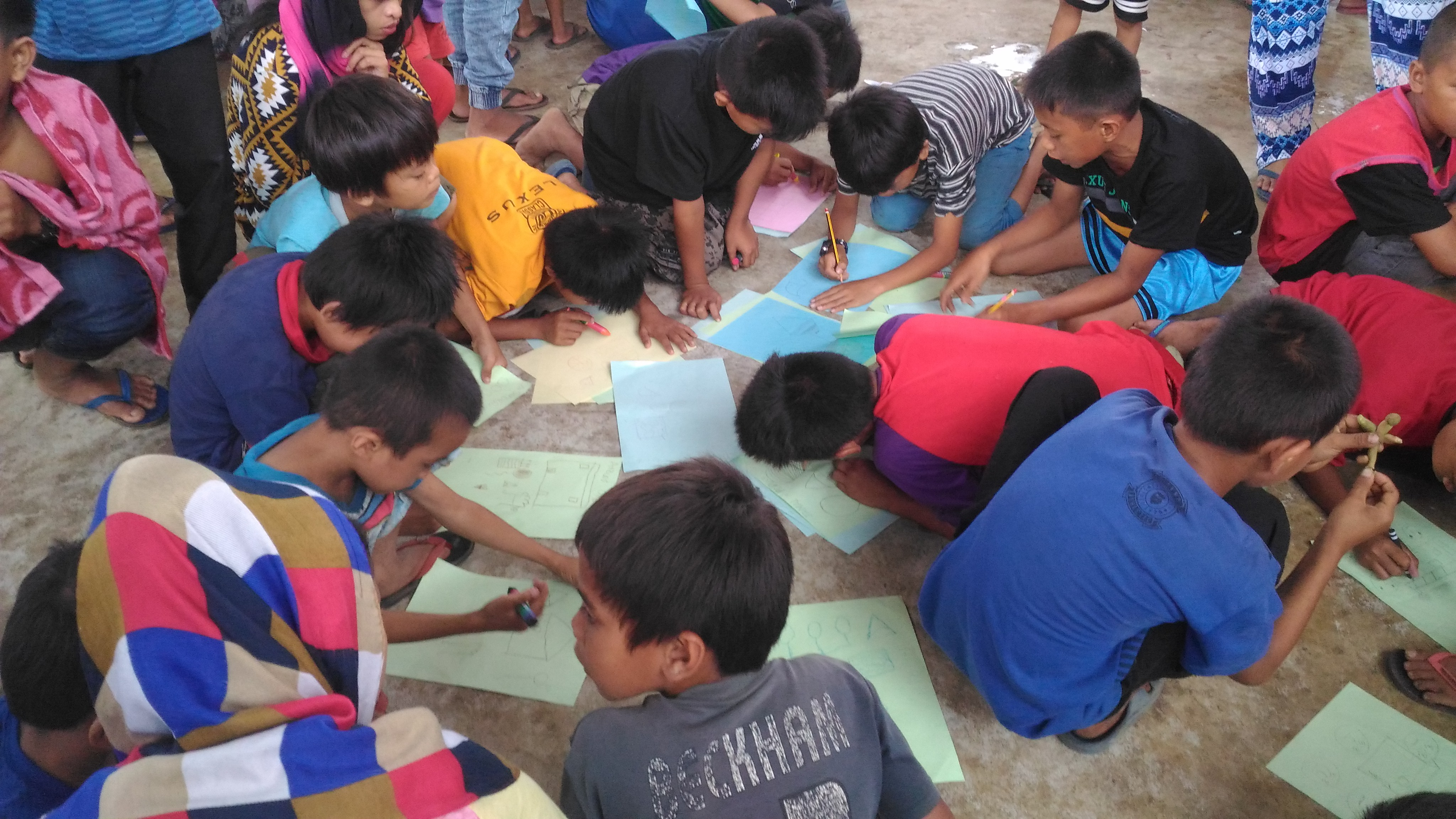 Children evacuees from Marawi at work during a psychosocial workshop led by Salinlahi (Contributed photo)