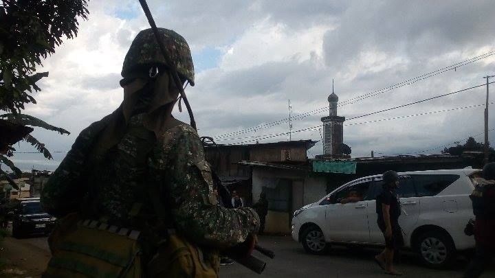 Soldier on duty at Marawi City. (Photo courtesy of Anto Balleta)