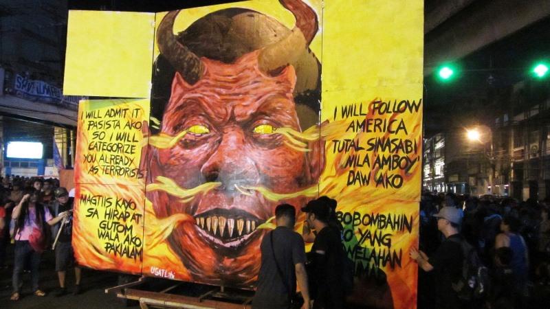 Duterte unfolding effigy