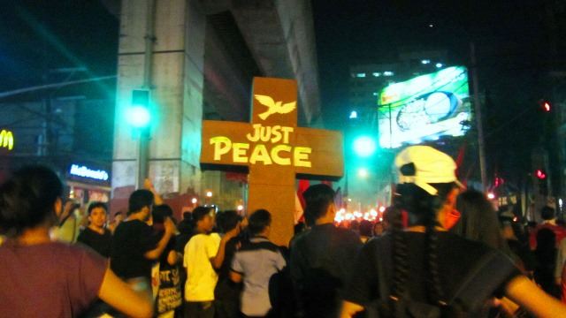 Christmas infuses protests against Duterte Martial Law on Human Rights Day