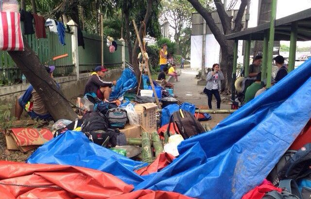 Stand With Samar | Cops demolish campout of Visayan farmers