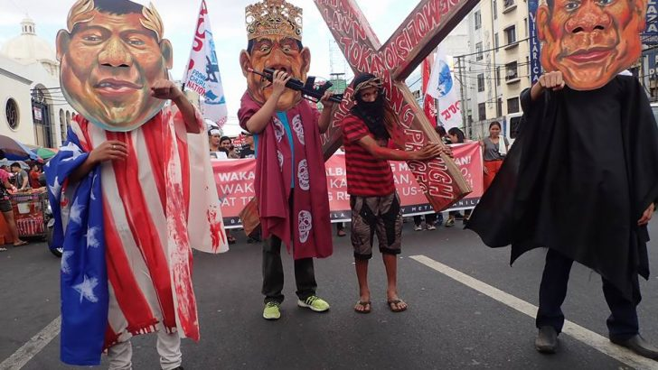 Urban poor woes depicted in Lenten-themed protest