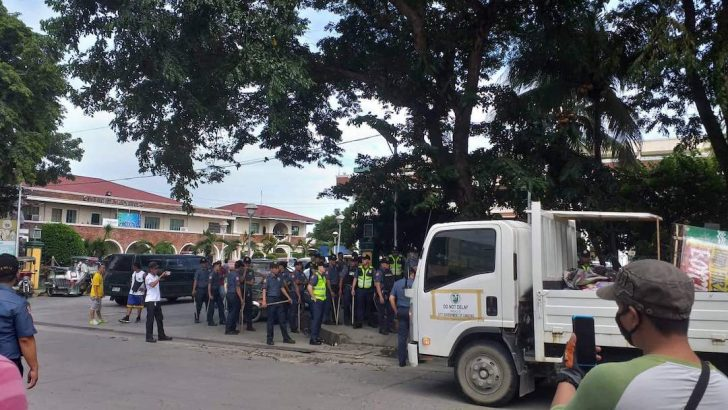 Cops forcibly dismantle NutriAsia picketline