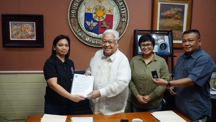 NUJP submits 200K signatures in support of ABS-CBN franchise