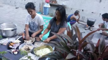 Women's group provides warm meals for Marikina's poor residents