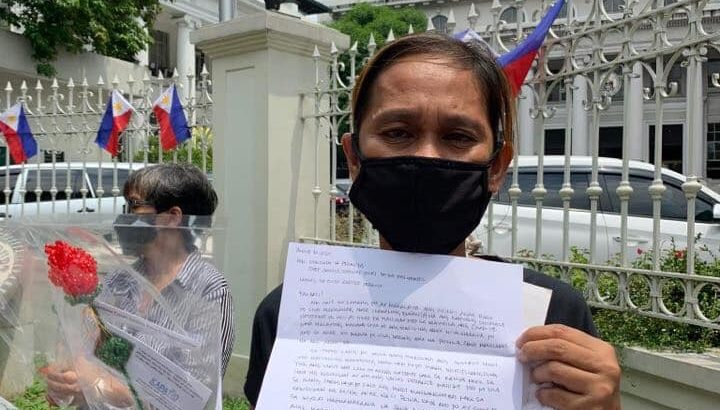 Kin of political prisoners call on SC justices to 'vote for life'