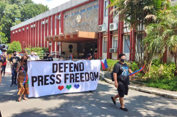 Journalists urge public to defend press freedom