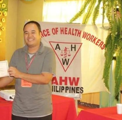 Health workers mourn death of colleague who died of COVID-19
