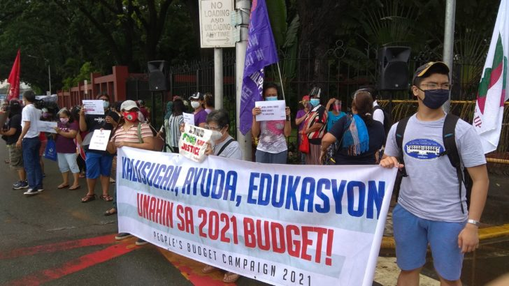On World Teachers' Day, groups call for higher education budget